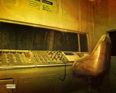 Mine-controlroom-sml